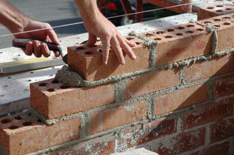 Из какого кирпича строить дом фундаменты стены