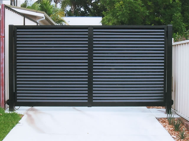 Gates from corrugated board