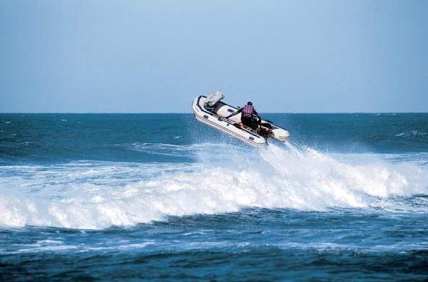 Надувные моторные лодки