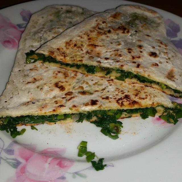 Балкарские хычины с сыром и зеленью: рецепт приготовления