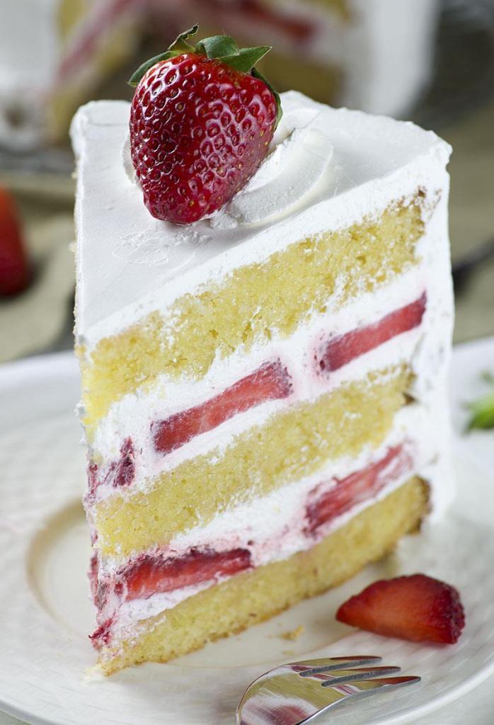 Бисквитный торт со сливками: рецепт, советы и нюансы выпечки