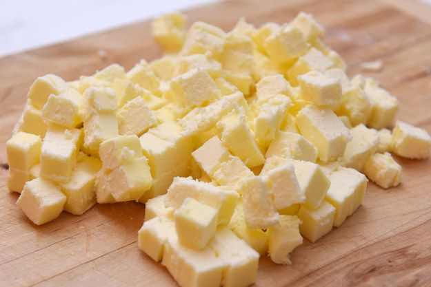 why butter crumbles when sliced