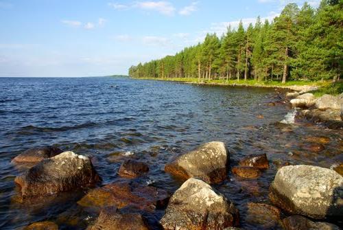 Онежское озеро — хороший отдых в Рф
