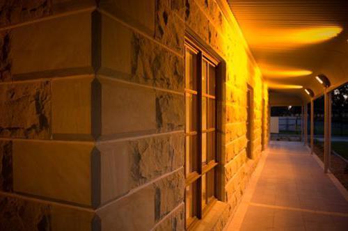 Декоративные камни на стену: технология укладки, отзывы