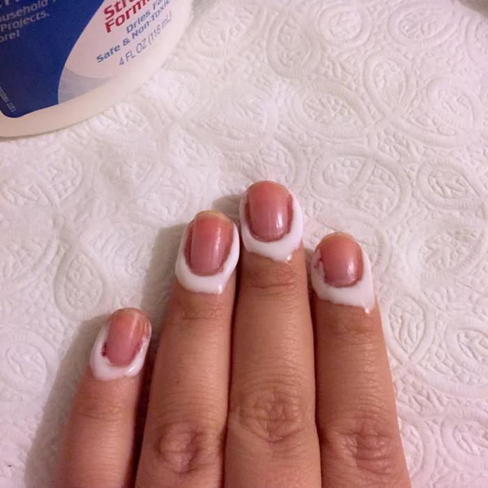 чем мажут кожу вокруг ногтя перед маникюром