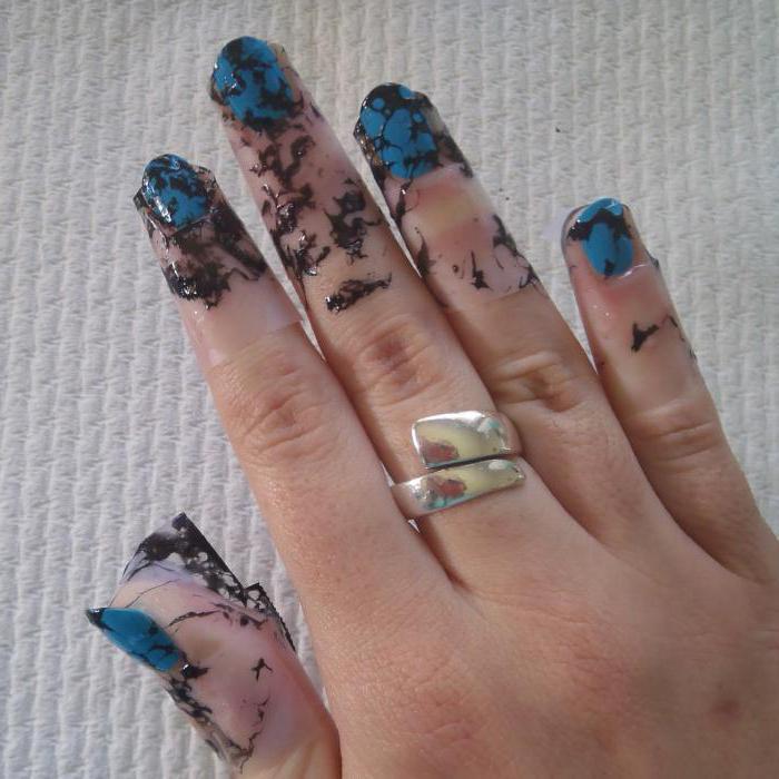чем мазать кожу вокруг ногтя при маникюре