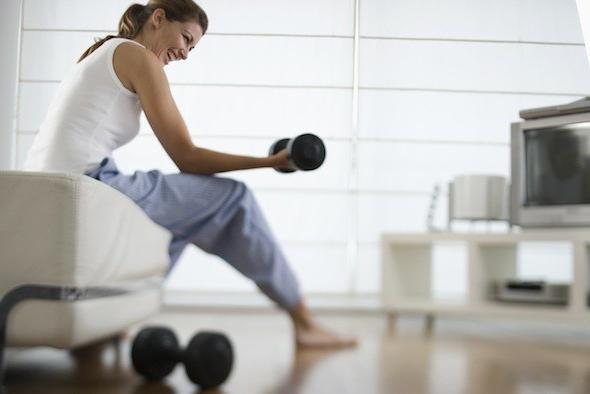 занятия с гантелями в домашних условиях для женщин