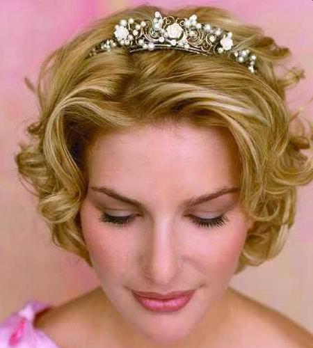 свадебные прически с короной