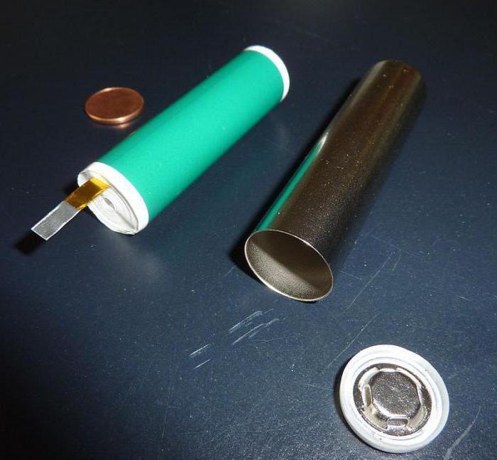 напряжение литий ионного аккумулятора