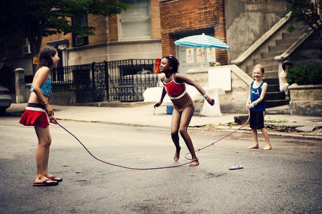 Как научить ребенка прыгать на скакалке развиваем выносливость