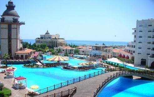 бассейны в отеле «Mardan Palace»