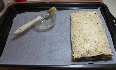 лаваш с сыром и чесноком