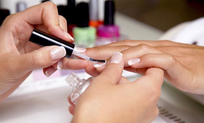 нарощенные ногти сколько держатся