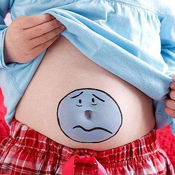 Боли в области живота у ребенка: что делать? Возможные причины