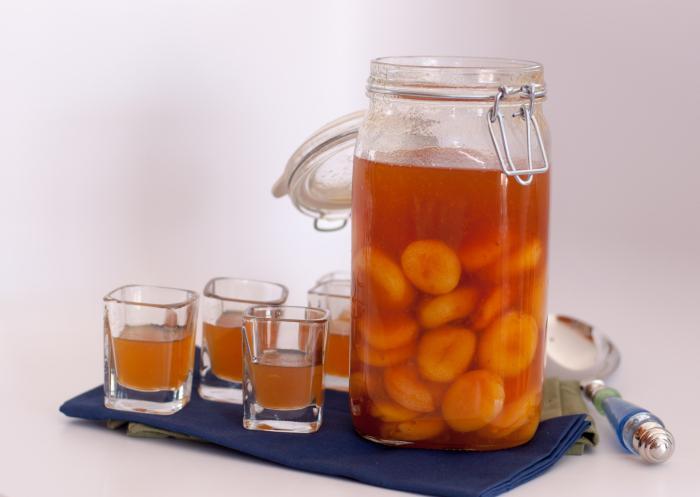 Наливка из абрикосовы