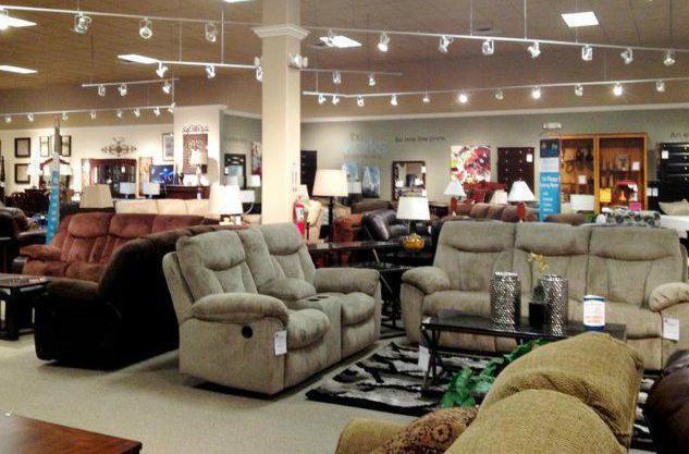 компания много мебели