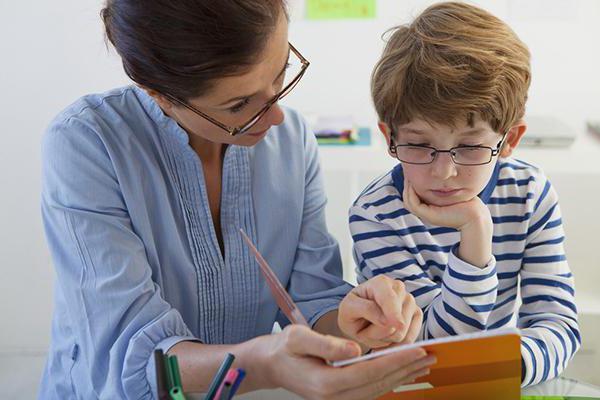 как заставить ребенка делать уроки без скандалов