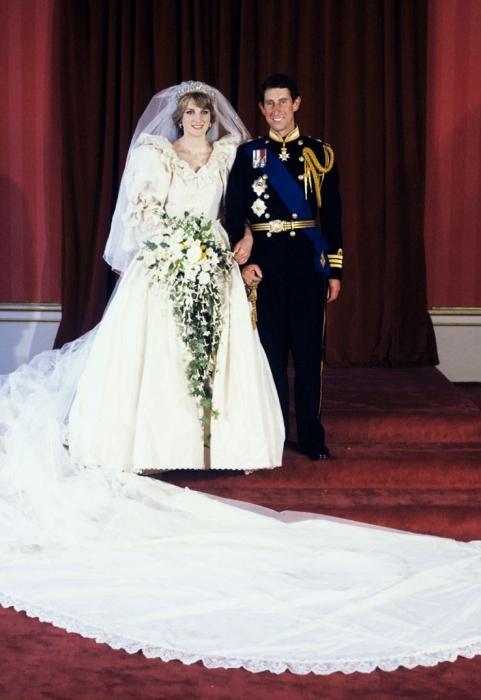 Самые известные свадебные платьица знаменитостей