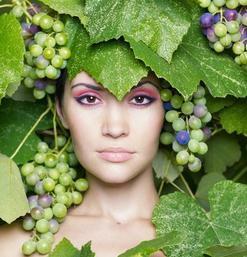 К чему снится виноград женщине: сонник изоражения