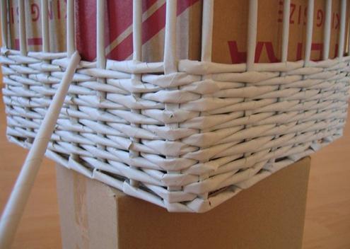 Плетение коробки из бумаги своими руками 44