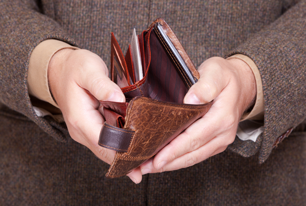Preparing the wallet for cleaning