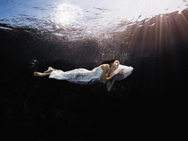 Сон плавать в воде