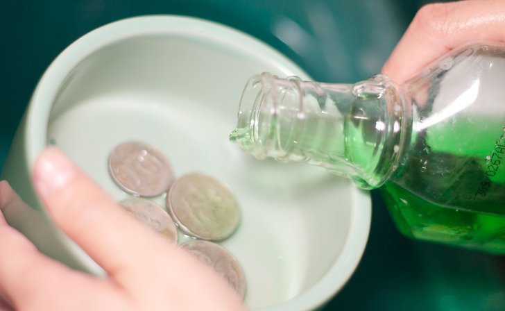 coin cleaning with dishwashing detergent