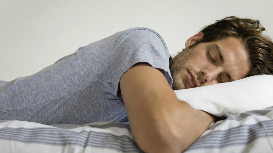 Как мужчина спит с мужчиной видео