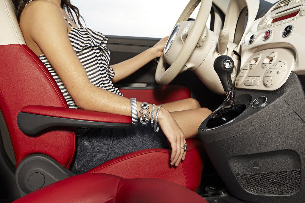 Как правильно должен сидеть водитель за рулем