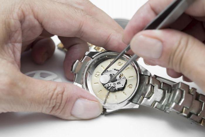 Как заменить батарейку на часах дизель