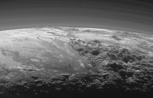 когда Плутон исключили из списка планет