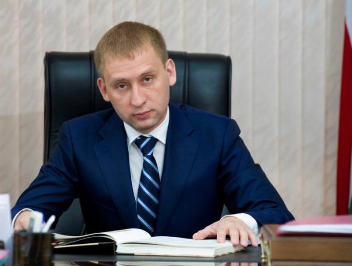 биография губернатора амурской области