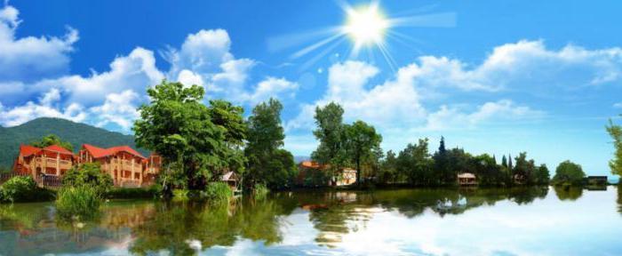 дивное озеро лазаревское