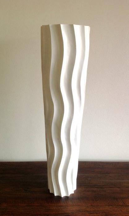 высокая напольная ваза