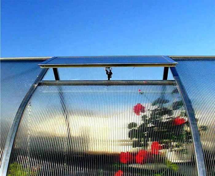 установка поликарбонатных теплиц