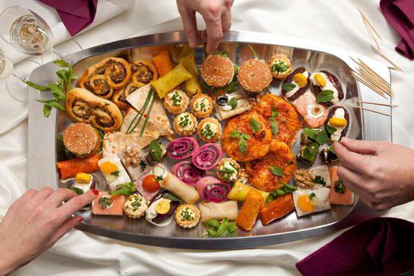 как накрыть стол на день рождения недорого, рецепты