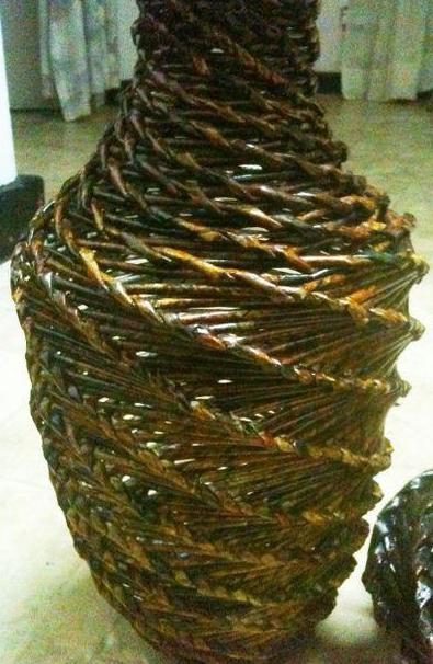 спиральное плетение из газетных трубочек вазы