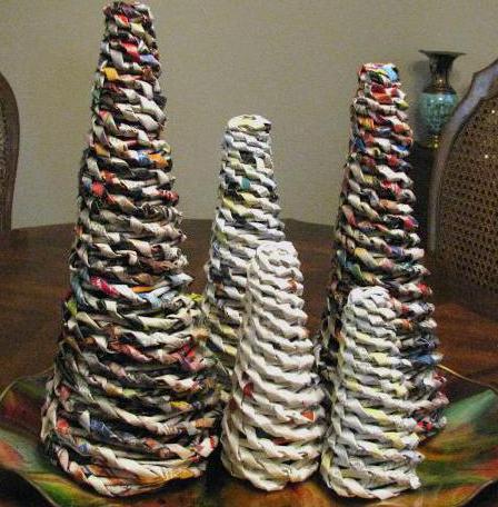 елочка из газетных трубочек спиральное плетение