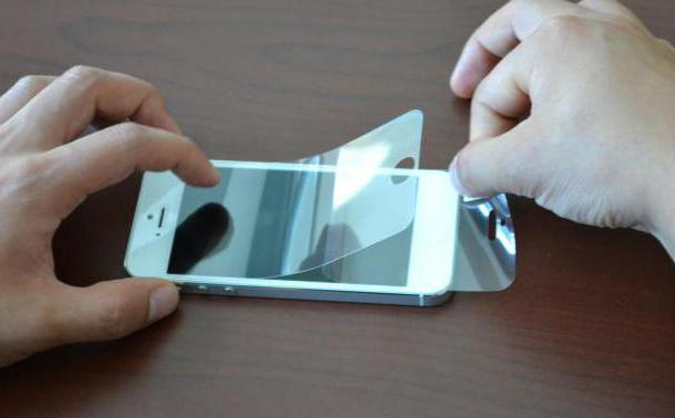 что лучше стекло или пленка на телефон