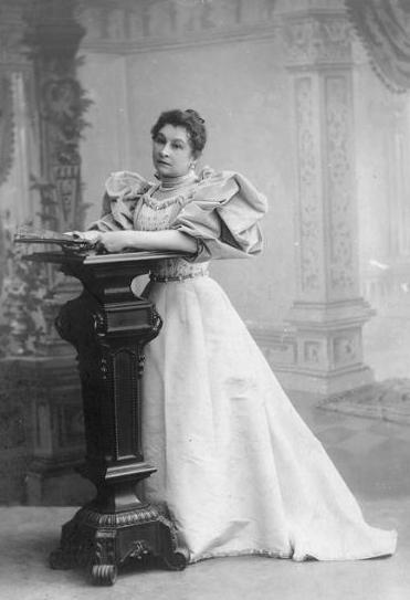 Алина Ермолова - полная биография
