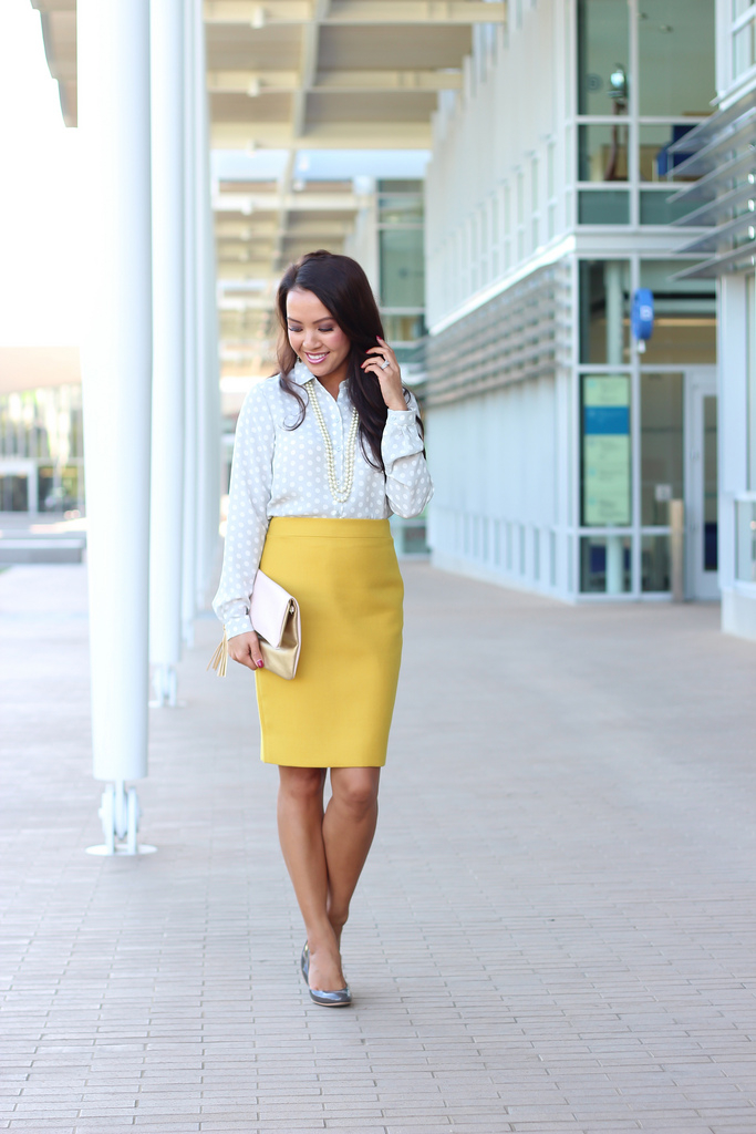 fashionable images with a pencil skirt