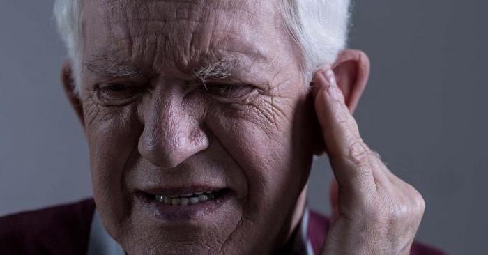 почему гудит в ушах