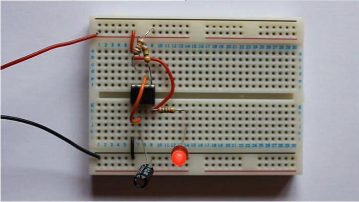NE 555 микросхема