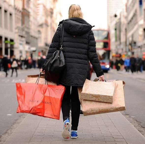 когда начинается распродажа зимней одежды