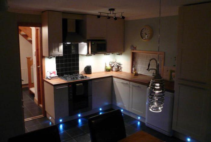 Подсветка под шкафы на кухне