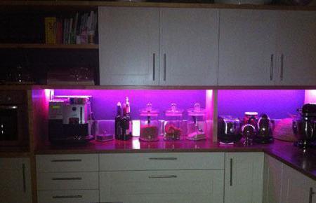 Подсветка на кухне из светодиодной ленты своими