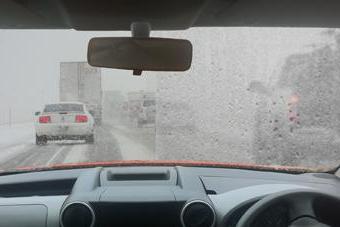 зимой запотевают окна в машине