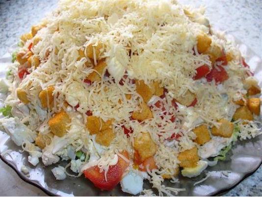 салат с сухарями и с сыром