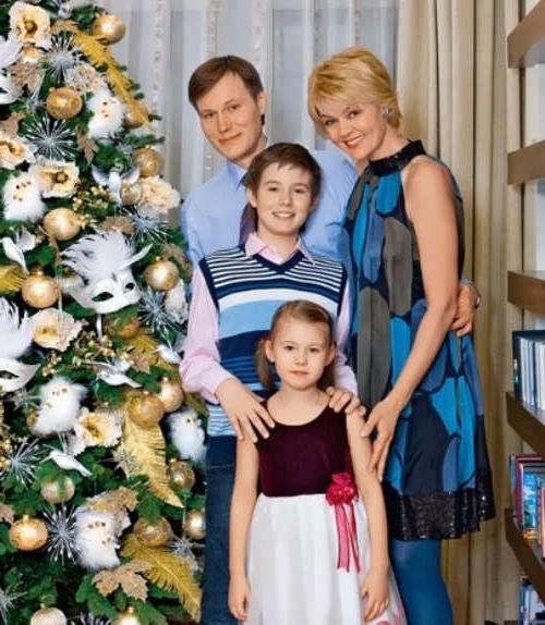юля меньшова семья