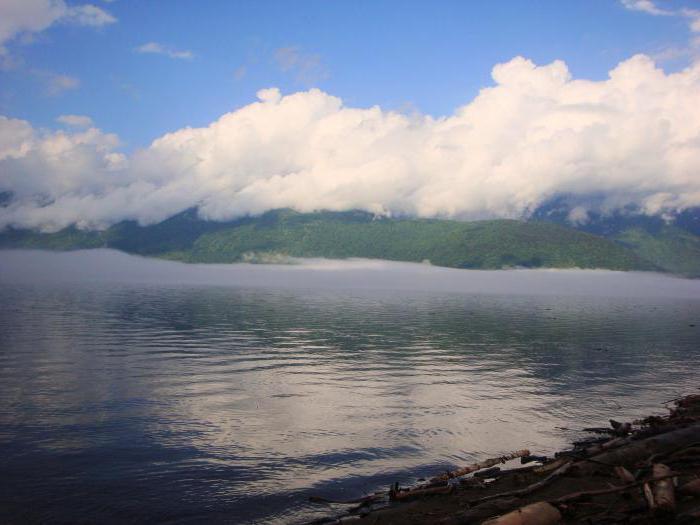 горное озеро телецкое